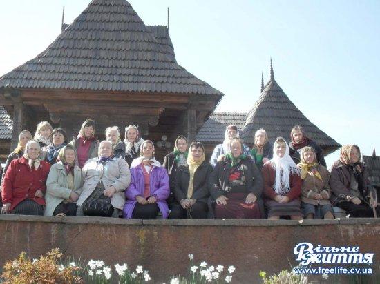 Колектив відділення денного перебування Кіцманського Територіального центру приділяє особливу увагу організації дозвілля та відпочинку людей похилого віку