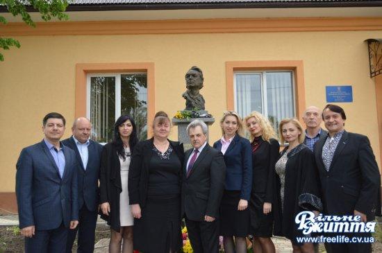 В Мамаївцях вклонилися пам'яті Дмитра Гнатюка (ФОТО)