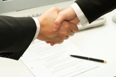 Повідомлення про прийняття працівника на роботу подається до початку роботи
