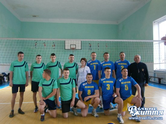 Змагалися волейболісти шкіл Кіцманщини