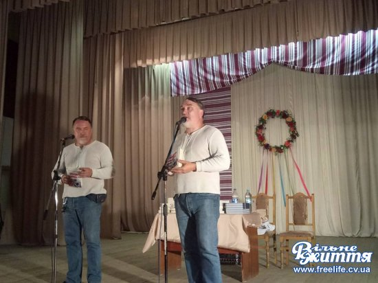 Брати Капранови представили в Кіцмані свої книги