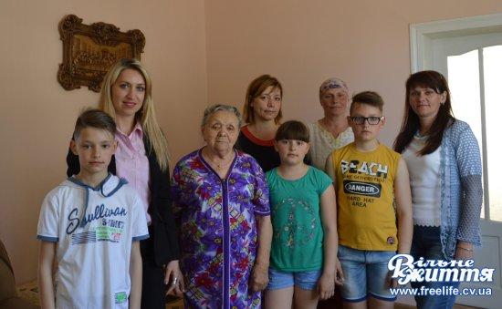 Жительці Кіцманя Марії Терешків Президент призначив іменну довічну стипендію