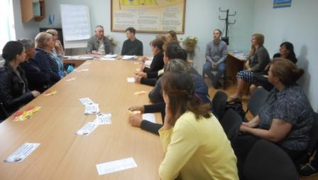 Жительок Кіцманщини запрошує на роботу швейна фабрика