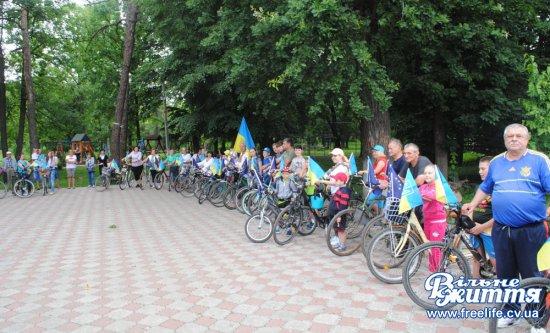 Святковий велопробіг з нагоди Дня селища відбувся в Лужанах