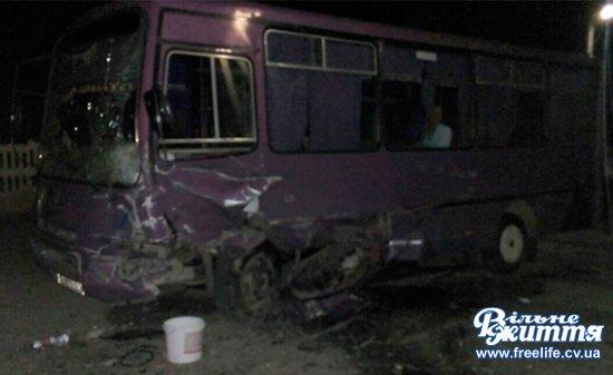 У Мамаївцях під колесами автомобіля загинула жінка