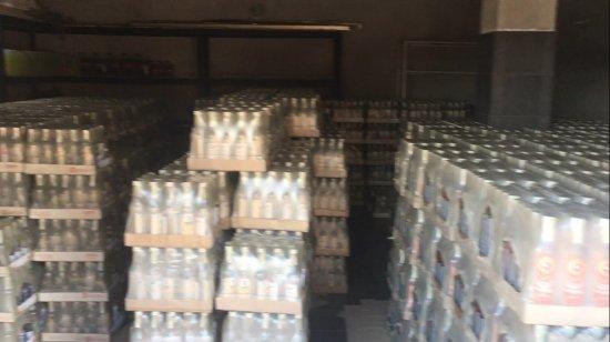 На Кіцманщині виявили сховище алкогольних виробів сумнівного походження на суму 1,6 мільйонів гривень