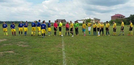 Футболісти з Драчинців перемогли команду з Дубівців