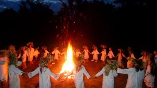 Як святкували Івана Купала на Пруті біля Дубівців