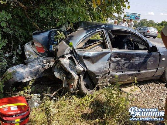 Неподалік Мамаївців знову ДТП — одна з машин перетворилася на купу брухту