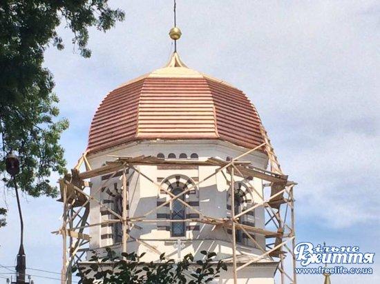 Завершилась реконструкція та перекриття куполів Свято-Покровського храму в Мамаївцях