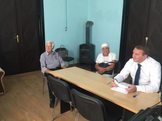 Люди просили народного депутата допомогти вирішити проблеми,  які актуальні для всієї громади