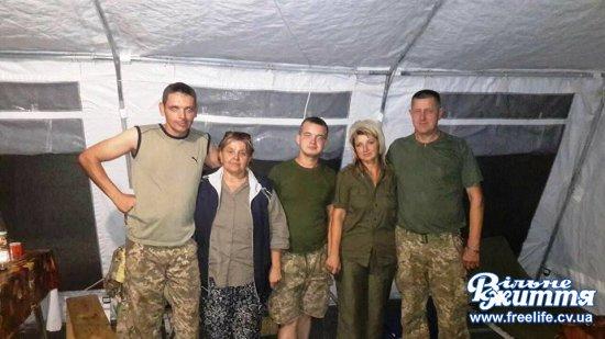 Волонтери привезли з передової вдячність від вояків