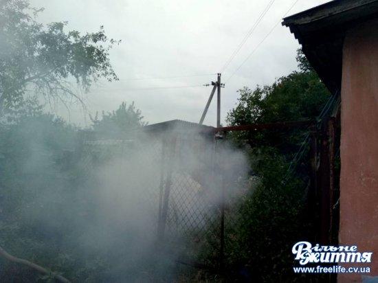 У Кіцмані підпалала сміття біля дитсадка, діти змушені були дихати димом