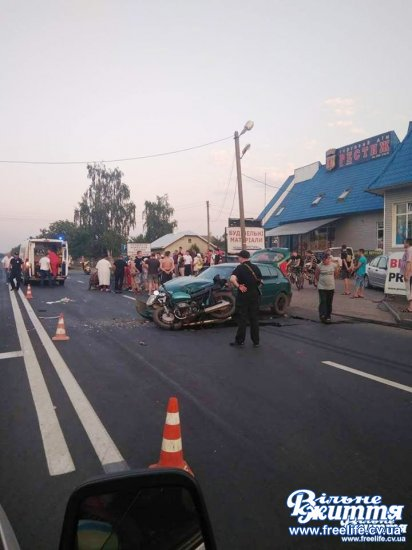 Водій мотоцикла отримав серйозні травми через зіткнення з авто в Мамаївцях