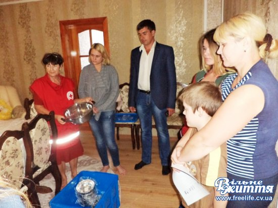 Сім'ю загиблого Віктора Бабюка з Ошихлібів привітали з нагоди Дня незалежності України