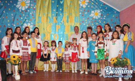 «До України серцем пригорнусь» — під такою назвою відбувся концерт у Клокічці