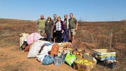 Волонтери з Кіцманщини привезли допомогу на передову (ФОТОРЕПОРТАЖ)