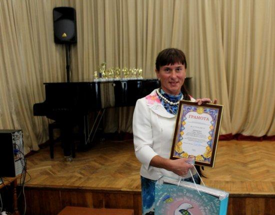 З нагоди Дня фізкультури і спорту Уляна Деревенко з Шишківців нагороджена грамотою