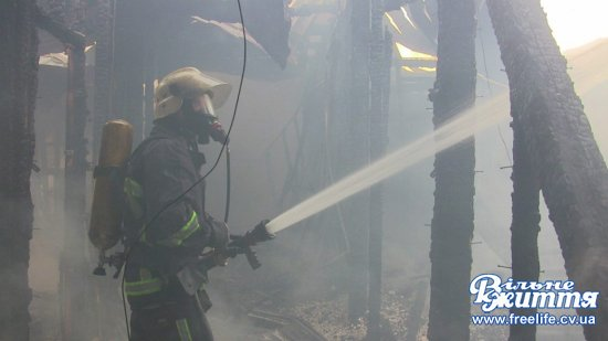 Рятувальники інформують, як ліквідовували пожежу в мамаївському ресторані