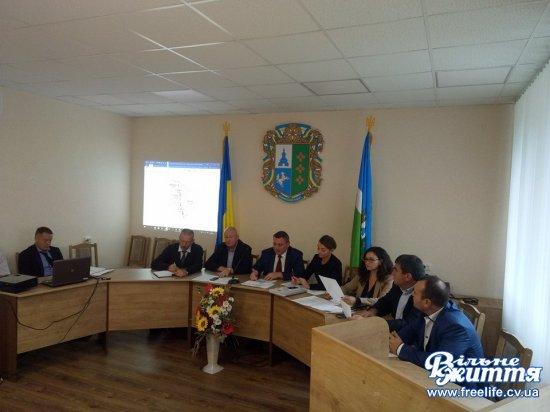 Зміни в пeрспeктивному плані: дeпутати обласної ради приїхали радитися з головами громад Кіцманщини (ВІДЕО)