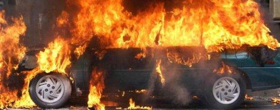 У Кіцманському районі авто згоріло після заправки газом (ВІДЕО)