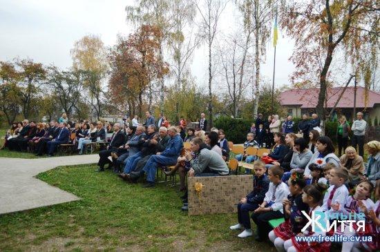 Суховерхівська школа відзначила 130-ліття (ФОТО, ВІДЕО)