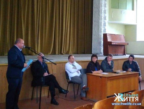 У Мамаївцях на зустріч за кандидатами на голову ОТГ прийшло понад 200 людей, у Кіцмані  виборці не прийшли