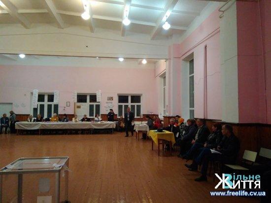 Почався підрахунок голосів виборців у Кіцманській і Мамаївській ОТГ (постійно оновлюється)