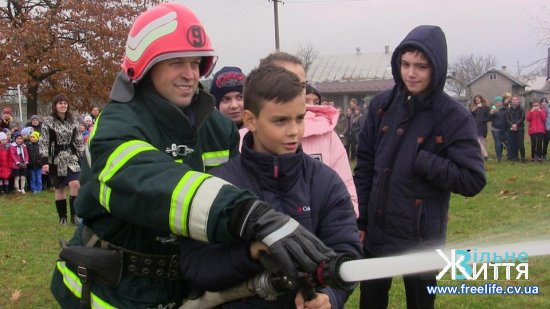 Рятувальники навчали правилам безпеки школярів і педагогів у Мамаївцях
