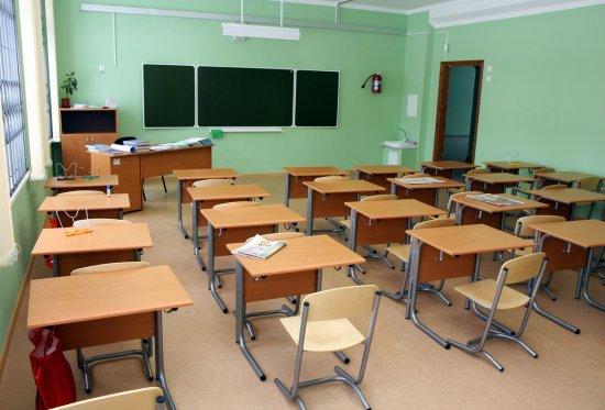 Чи мають право у школах брати кошти за навчання?