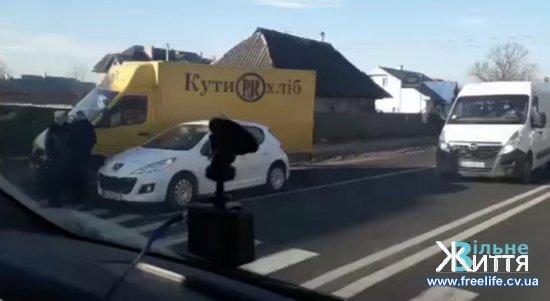 ДТП на пішохідному переході у Мамаївцях (ВІДЕО)