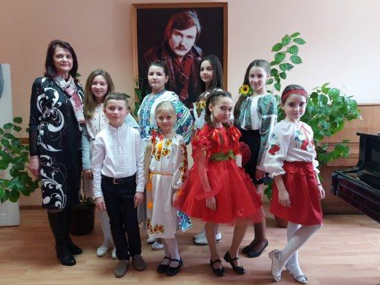 У Кіцманській музичній школі Імені Володимира Івасюка відбувся конкурс, присвячений маестро