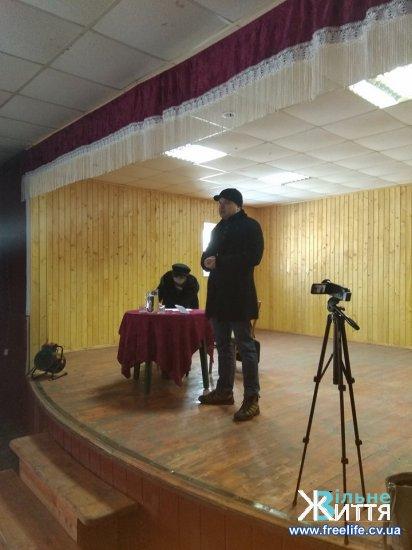 Про перспективи і проблеми Суховерхова говорили під час зборів у селі (відео)