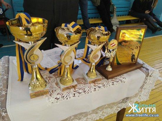 Волейбольний турнір імені В.Івасюка завершився перемогою Кіцманя