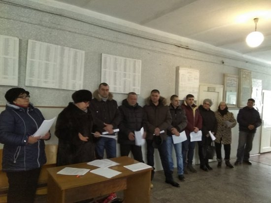 У Лашківці відбулася сесія сільради, яку голова хотів відмінити