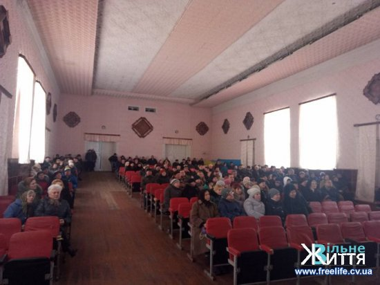 Жителі Лашківки знову висловилися за об'єднання з Кіцманем
