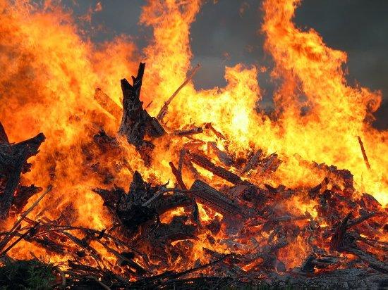 В Брусниці внаслідок пожежі у літній кухні загинув чоловік