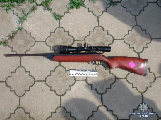 У пенсіонерки з с.Реваківці поліція вилучила незареєстровану гвинтівку