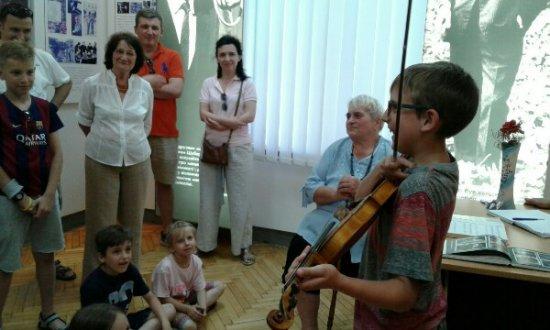 Львівські шанувальники таланту Володимира Івасюка відвідали його рідний Кіцмань