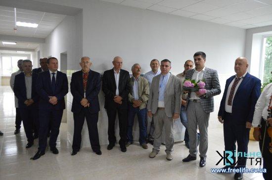 Відкрито оновлене приміщення хірургічного відділення Кіцманської ЦРЛ  після капітального ремонту