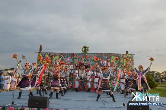 """На Кіцманщині триває районне обрядове свято """"Ой на Івана, ой на Купала"""""""