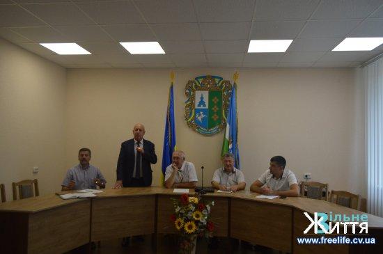 На Кіцманщині за участі голови ОДА Олександра Фищука відбулася нарада з питань впровадження медичної реформи на території району