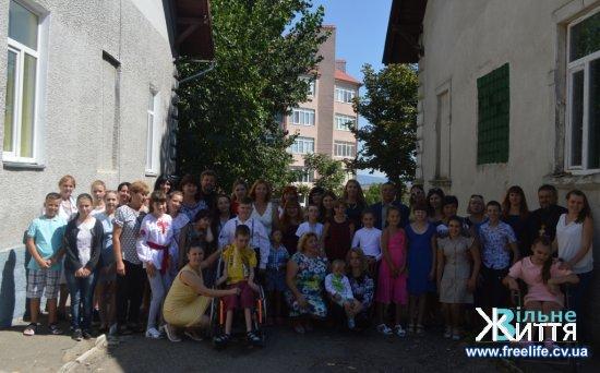 В районному центрі соціальної реабілітації дітей з інвалідністю «Дзвіночок» відкрили сенсорну кімнату