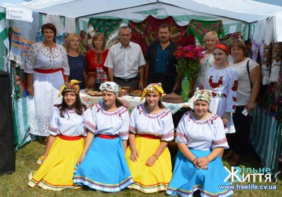 Фестиваль вареників відбувся на Кіцманщині