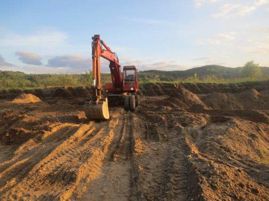 Буковинцю загрожує кримінальна відповідальність за самовільне видобування гравію на Кіцманщині