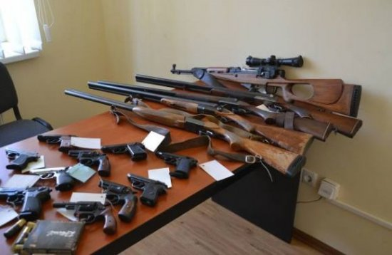 Кіцманська поліція закликає добровільно здати зброю в жовтні