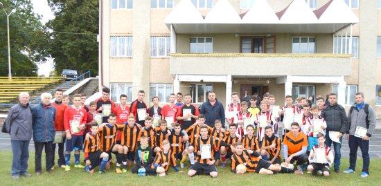 Кіцманські футболісти присвятили перемогу вчителям