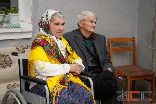 Кіцманчанка вперше вийшла заміж у  81 рік (ФОТО, ВІДЕО)