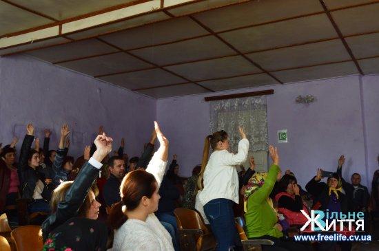 На громадських слуханнях у Кліводині люди висловились за приєднання до Кіцманаської ОТГ, хоч сільська рада відмовилась це зробити