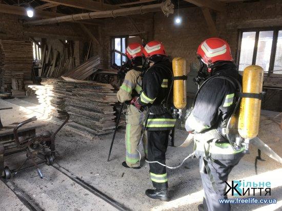 Пожежники провели тактичні навчання у с.Ревне, що на Кіцманщині
